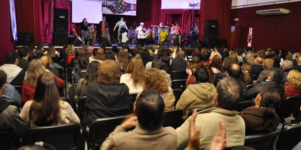 http://turismochajari.gob.ar/wp-content/uploads/2016/07/recital-dia-diversidad-cultural.jpg